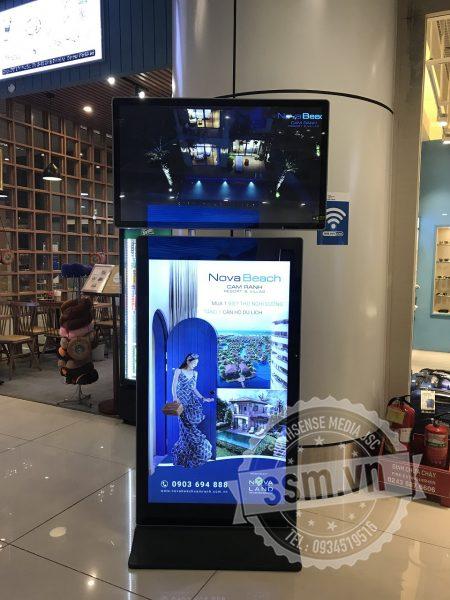 Quảng cáo LCD chân đứng