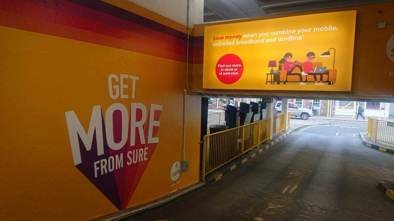 quảng cáo tại điểm đỗ xe