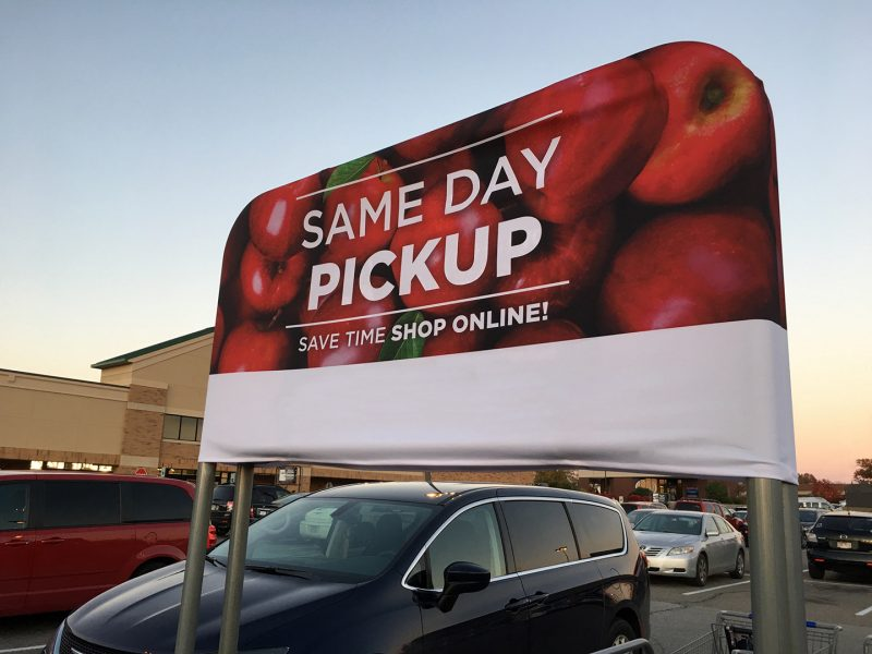 Quảng cáo tại điểm đỗ xe – Điểm truyền thông hàng đầu siêu thị