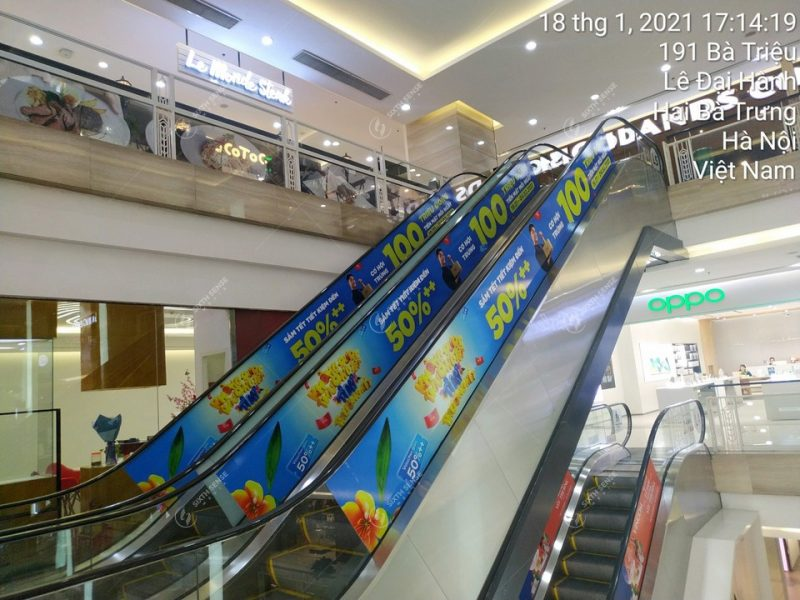 quảng cáo trên thang cuốn tttm
