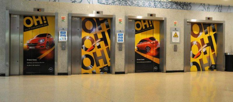 Quảng cáo trên cửa thang máy tại siêu thị, TTTM lớn trên toàn quốc