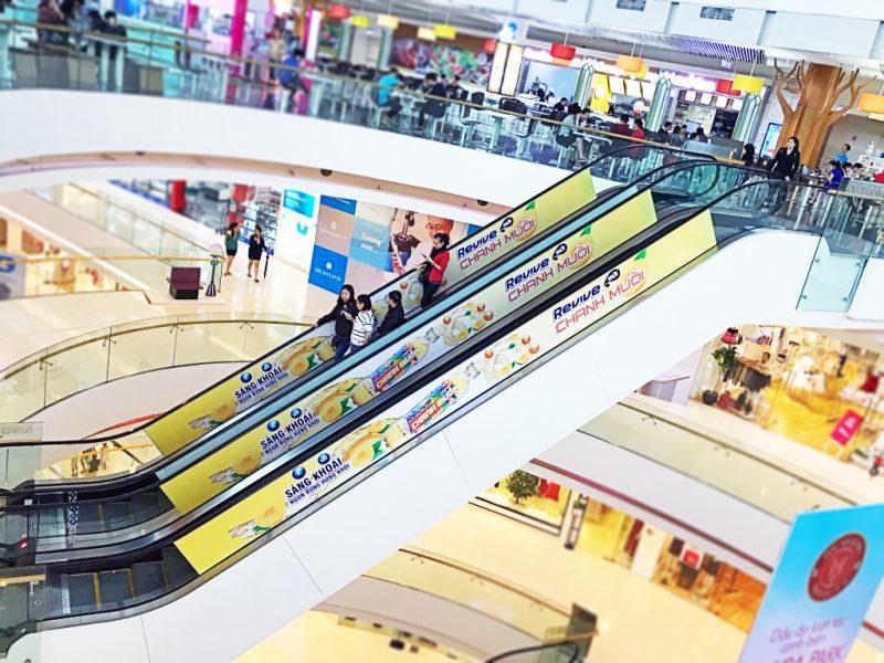 4 lợi ích lớn không thể phủ nhận của quảng cáo thang cuốn trong TTTM